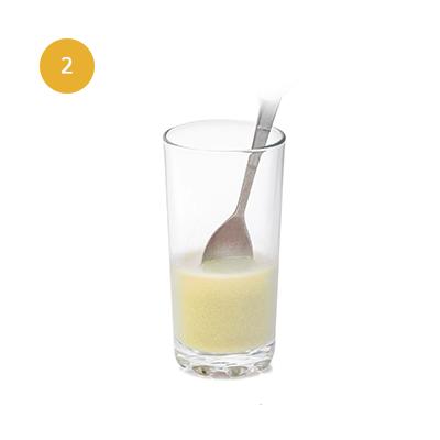 Ajoutez 100ml d'eau et mélangez.